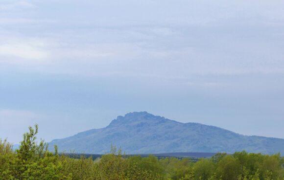 гора бобырган